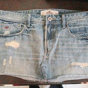 BNWT Hollister destroyed denim skirt Size 30